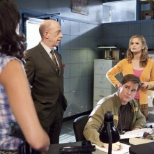 J.K. Simmons, Kyra Sedgwick e Philip Keene in una scena dell'episodio Blood Money di The Closer