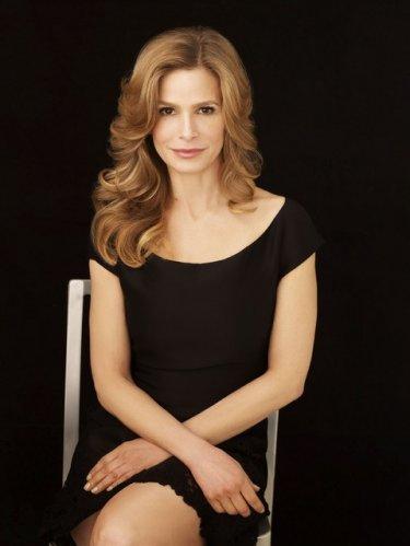 Kyra Sedgwick posa per una foto promozionale della stagione 5 di The Closer