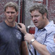 Michael Lombardi e John Scurti in una scena dell'episodio Sheila di Rescue Me