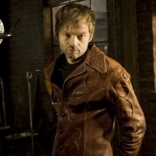 Esteban Powell in una immagine promozionale della stagione 2 di The Cleaner