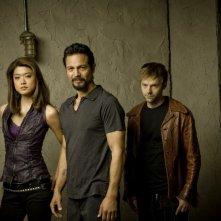 Grace Park, Benjamin Bratt ed Esteban Powell in una immagine promozionale della seconda stagione di The Cleaner