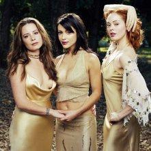 Una foto promo del trio in una foresta per la 5 stagione di Streghe