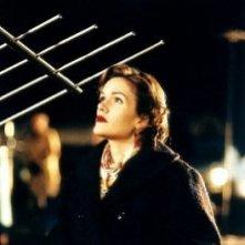 Catherine Dent in una scena della serie Taken
