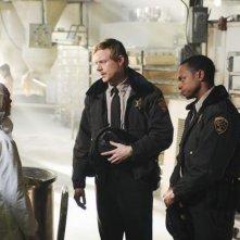 Jay Paulson e Kedar Brown in una scena del pilot di Happy Town