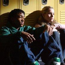 Percy Daggs III e Kristen Bell a scuola nell'episodio 'Il vero padre' di 'Veronica Mars'