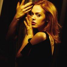 Rose McGowan in un'immagine promo per la season 6 di 'Charmed'