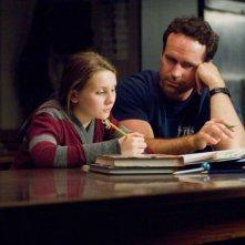 Abigail Breslin e Jason Patric in una scena del film La custode di mia sorella