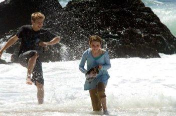 Evan Ellingson e Abigail Breslin in una scena del film La custode di mia sorella