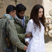 Mozhan Marnò in una scena del film The Stoning of Soraya M