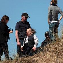 Emma Watson e parte della produzione sul set del film 'Harry Potter e i doni della morte - parte 1'