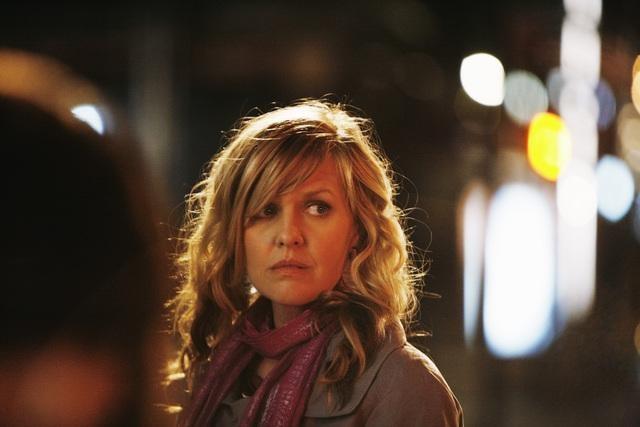 Ashley Jensen In Una Scena Dell Episodio The Born Identity Di Ugly Betty 122889