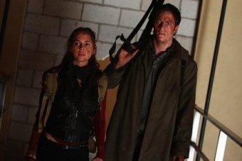 Eliza Dushku e Tahmoh Penikett in una scena dell'episodio Epitaph One di Dollhouse