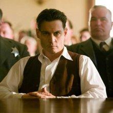 Johnny Depp è John Dillinger nel film Nemico pubblico