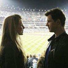 Sarah Lafleur ed Eric Mabius nel finale della terza stagione di Ugly Betty