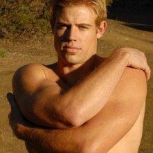 Una foto del modello e attore Trevor Donovan