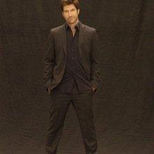 Dylan McDermott in una immagine promozionale della serie Dark Blue