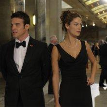Eddie McClintock e Joanne Kelly nel pilot della serie Warehouse 13