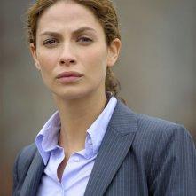 Joanne Kelly in una scena del pilot della serie Warehouse 13