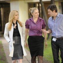 Nina Siemaszko, Chris Vance e Jaime Ray Newman nell'episodio Obsessively Yours di Mental