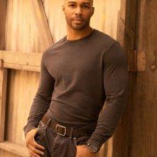 Omari Hardwick in una immagine promozionale della serie Dark Blue