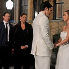 Jennifer Love Hewitt, David Conrad, Camryn Manheim e Jamie Kennedy nell'episodio Book of Changes della quarta stagione di Ghost Whisperer