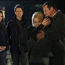 Jennifer Love Hewitt nell'episodio Endless Love della stagione 4 di Ghost Whisperer insieme a Gail O'Grady, Erich Anderson e Jamie Kennedy