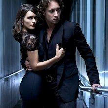 Una foto promo di Shannyn Sossamon e Alex O'Loughlin per la serie tv Moonlight