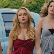 Hayden Panettiere insieme a Lauren London e Lauren Storm in una immagine di Una notte con Beth Cooper