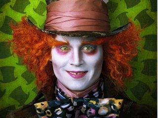 Wallpaper: Johnny Depp è il Cappellaio Matto in Alice nel paese delle meraviglie di Tim Burton