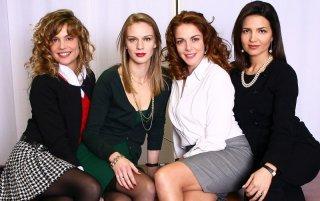 Micaela Ramazzotti, Antonio Liskova, Claudia Gerini e Tosca D'Aquino in una foto promozionale de Le segretarie del sesto
