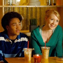 Percy Daggs III e Valorie Curry in una scena dell'episodio 'La sposa in fuga' di Veronica Mars