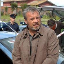 Claudio Amendola in un'immagine della serie tv Tutti per Bruno