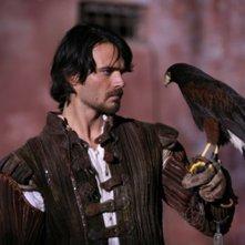 Giulio Berruti in una scena della fiction Mediaset Il falco e la colomba