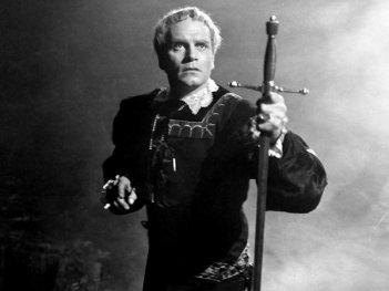 Laurence Olivier in Amleto
