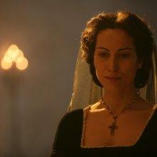 Sabina Began in una scena della fiction Mediaset Il falco e la colomba