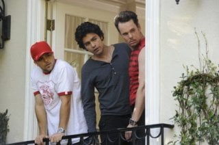 Kevin Dillon, Adrian Grenier e Jerry Ferrara una scena dell'episodio 'Amongst Friends' della sesta stagione di Entourage