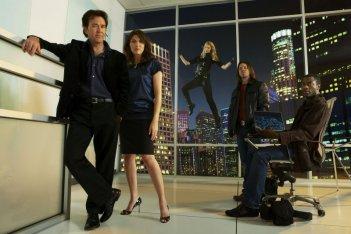 Una foto promozionale del cast della seconda stagione di Leverage