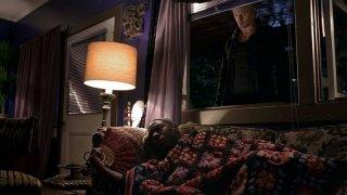 Nelsan Ellis e Alexander Skarsgård in una scena dell'episodio 'Shake and Fingerpop' della serie tv True Blood