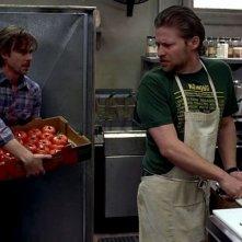 Sam Trammell e Todd Lowe in una scena dell'episodio 'Shake and Fingerpop' della serie tv True Blood