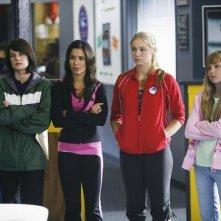 Chelsea Hobbs, Josie Loren, Ayla Kell e Mia Rose Frampton in una scena dell'episodio Where's Marty? della serie  Make It or Break It