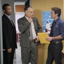 Chris Vance, Christopher B. Duncan e Patrick St. Esprit in una scena dell'episodio Coda di Mental