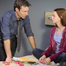 Chris Vance con la guest star Holliston Coleman nell'episodio Coda di Mental