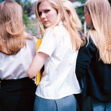 Una foto delle sorelle Lisbon con Kirsten Dunst per il film 'Il giardino delle vergini suicide'