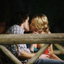 Zachary Abel e Cassie Scerbo in una scena dell'episodio Blowing Off Steam della serie  Make It or Break It