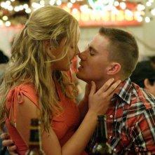Abbie Cornish (Michelle) si bacia con Channing Tatum (Sergente Steve Shriver) in una scena del film 'Stop Loss'