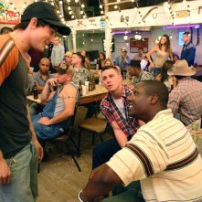 Alex Frost (Shorty), Channing Tatum (Sergente Shriver) e Rob Brown (Isaac Butler) festeggiano in una scena del film 'Stop Loss'