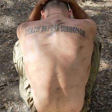 Channing Tatum di schiena in una foto promo del film 'Stop Loss'