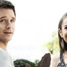 Kevin Connolly e Alexis Dziena una scena dell'episodio 'Amongst Friends' della sesta stagione di Entourage