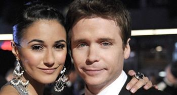 Kevin Connolly e Emmanuelle Chriqui una scena dell'episodio 'Amongst Friends' della sesta stagione di Entourage