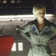 Laura Harris in una scena della serie Defying Gravity